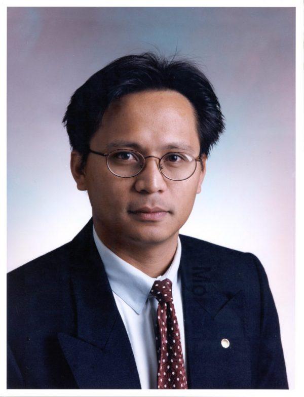 Photo of Professor Moe Win